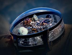 在腕表里装入一枚地球,Jacob&Co.杰克宝与环保领袖打造珠峰腕表