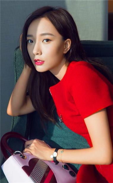 女星演绎迪奥La Mini D de Dior系列高级腕表