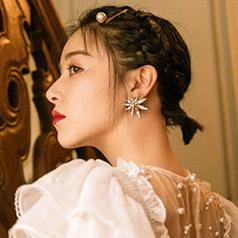 阚清子短发佩戴珍珠发夹 温柔又仙气十足